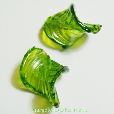 Frunzulita sticla verde, 32x25x4mm 1 buc