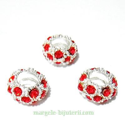 Margele tip Pandora, baza metalica, 11x6mm, strasuri rosii 3mm 1 buc