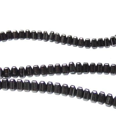 Hematite nemagnetice, negre, triunghi 4x3mm 1 buc