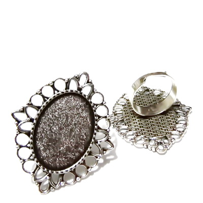 Baza inel, reglabila, argintiu antichizat, platou 41x35mm, pt. cabochon 25x18mm  1 buc