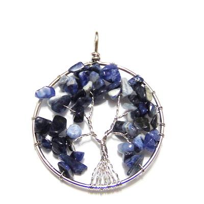 Pandantiv rotund, cu chips lapis lazuli, copacul vietii, 63x51x8mm  1 buc