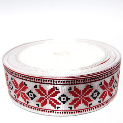 Panglica saten alb cu motive folclorice, 25mm, rola 16m 1 buc