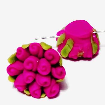 Margele polymer, floricele fucsia, 13~17x9~12mm 1 buc