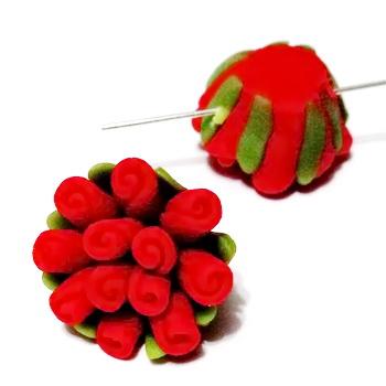 Margele polymer, floricele rosii, 13~17x9~12mm 1 buc