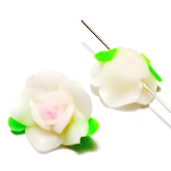 Margele polymer, floare alba cu roz, 15x8mm 1 buc