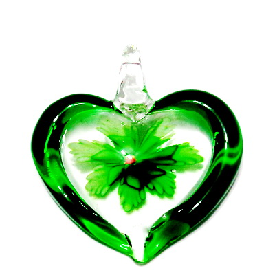 Pandantiv  Lampwork, inima transparenta cu interior floare verde, 45x42x10mm 1 buc