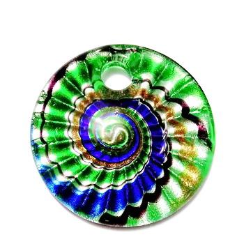 Pandantiv Murano, cu desen spirale, verde cu argintiu, auriu, negrub si albastru,  45x10mm 1 buc