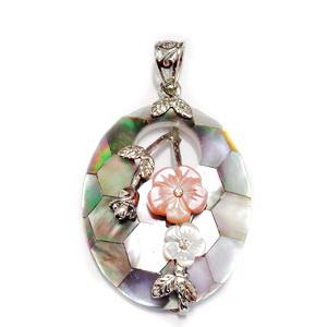Pandantiv Scoica Paua cu accesorii metalice, floricele sidef si strasuri,  1 buc