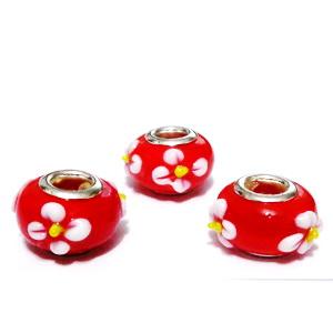 Margele tip Pandora, Lampwork, rosii  cu flori, 14x9mm, orificiu 5mm 1 buc