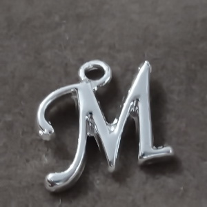 Pandantiv alfabet, argintiu, 14x10mm, litera M 1 buc