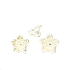 Floare plastic ABS, imitatie perle plastic, crem, 10x10.5x5mm 1 buc