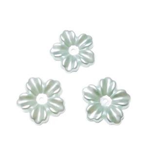Floare cu 5 petale, plastic ABS, imitatie perle plastic, bleu-argintiu, 12x13x1.5mm 1 buc