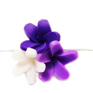 Margele polymer, 3 flori, mov-alb 18~20x18~19x11~14mm 1 buc