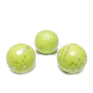 Margele polymer, prelucrate manual, verde-galbui cu insertii sidef multicolor, 11-12mm 1 buc