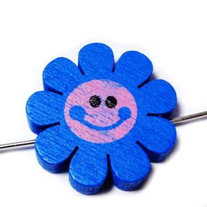 Margele lemn, floare albastra, 23x4mm 1 buc