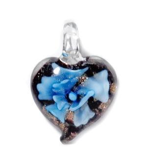 Pandantiv Murano negru cu floare bleu, inima 27x25x8mm 1 buc