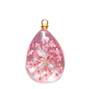 Pandantiv sticla cu flori roz in interior si accesoriu auriu, lacrima 22~24x13x8mm 1 buc