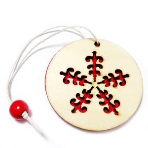 Ornament brad din lemn cu fetru rosu pe verso,5.5cmx1mm-model 4 1 buc