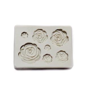 Forma modelaj din silicon crem, 7 forme fulgi trandafiri, 8.8x6.2cm 1 buc