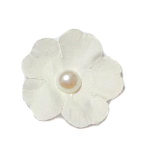 Floare hartie crem cu perla alba, 40mm 1 buc