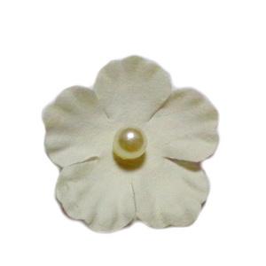 Floare hartie crem cu perla alba, 30mm 1 buc