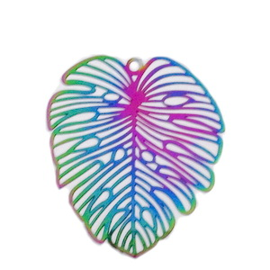 Pandantiv otel inoxidabil 201, electroplacat, multicolor, frunza 47x35x0.2mm 1 buc