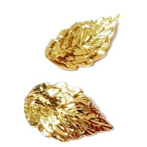 Pandantiv metalic, placat cu aur, frunza 18x10x1mm 1 buc