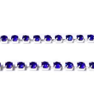 Margele montee rhinestone, insiruite, sticla albastru-cobalt pe baza argintie, 2x2mm 1 m