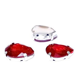 Margele montee rhinestone, sticla, lacrima, rosii, 18x13x6.5mm 1 buc