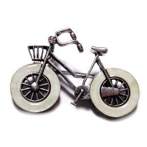 Pandantiv/brosa argintiu antichizat cu sidef, bicicleta 52x37mm 1 buc