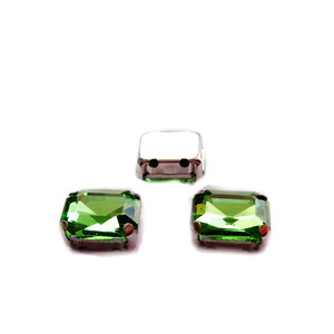 Margele montee rhinestone, sticla, verde deschis, dreptunghi 10x8x5mm 1 buc