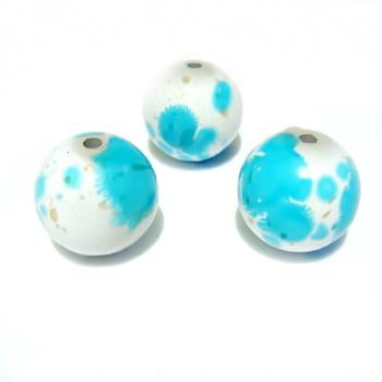 Margele plastic albe cu pete albastre,  12 mm 1 buc
