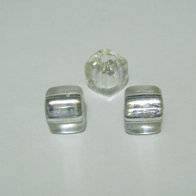 Margele plastic cubice argintii 7mm, orificiu 4mm 1 buc