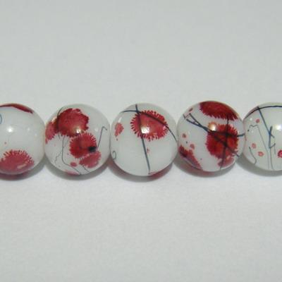 Margele sticla albe vopsite cu pete visinii, 8mm 10 buc