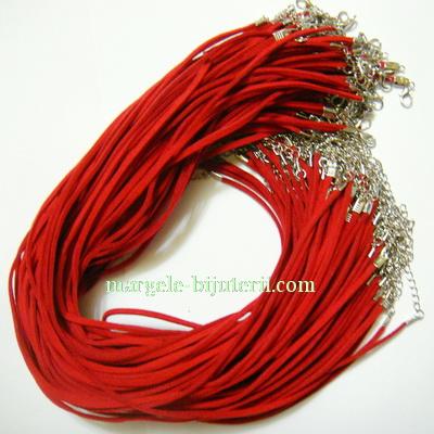 Snur faux suede, 3x1.5mm, rosu, cu inchizatoare, 45 cm 1 buc