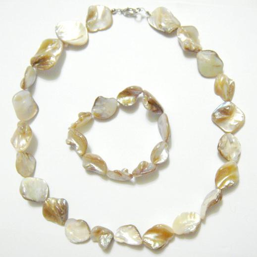 Colier si bratara perle sidef natur, 15-18 mm 1 set