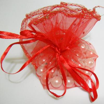 Saculet organza rosu cu picatele, diametru 25 cm 1 buc