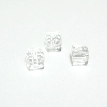 Margele sticla transparenta, cubice cu muchii tesite, 4x4mm 1 buc