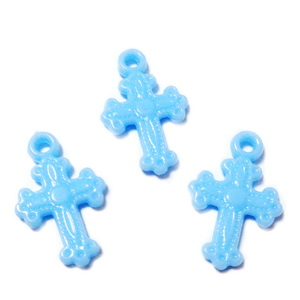 Pandantiv cruciulita plastic bleu, 22x14x3mm 10 buc