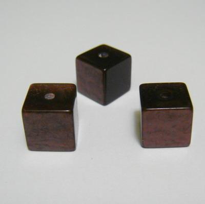 Margele rasina maro, cubice, imitatie ochi de pisica, 8mm 1 buc