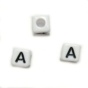 Margele alfabet, plastic alb, cubice 7x7x7mm, litera A 1 buc
