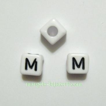 Margele alfabet, plastic alb, cubice 7x7x7mm, litera M 1 buc
