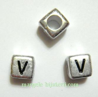 Margele alfabet, plastic argintiu, cubice 6x6x6mm, litera V 1 buc