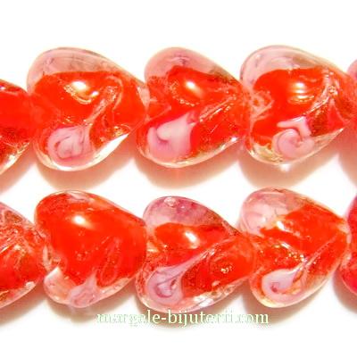 Margele sticla, lampwork, rosii cu floricele roz cu auriu, inima 10x8mm 1 buc