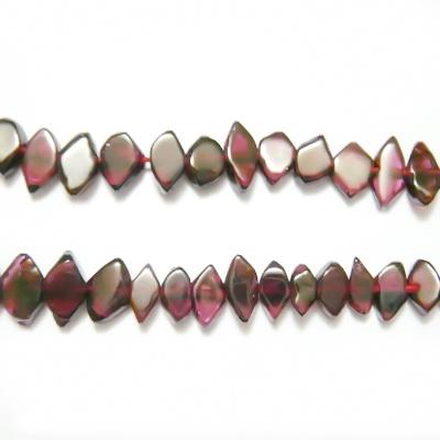 Granat, forma neregulata, 7x5x2.5mm 1 buc