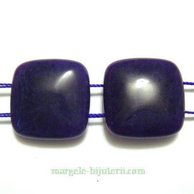 Jad plat, colorat violet, cu 2 orificii, patrat 20x20x8mm 1 buc